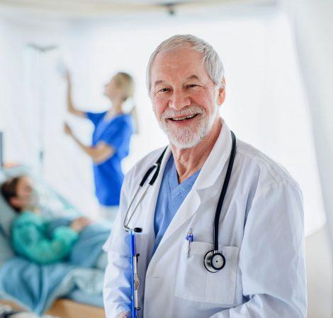 portrait-of-doctor-in-quarantine-in-hospital-coron-LJLP2DU.jpg
